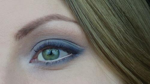 make up grigio occhi verdi capelli biondi