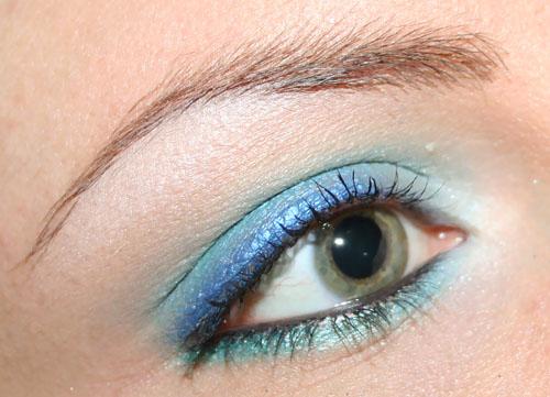 trucco azzurro per occhi marroni e blu