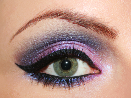 make up occhi rosa e blu