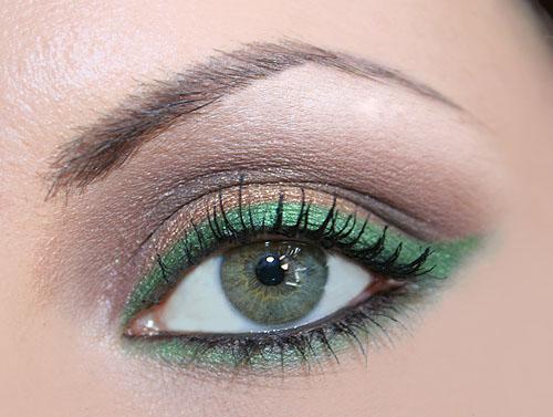 Top Make up verde e oro: per occhi verdi e castani NV19