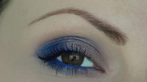 trucco blu per occhi scuri scuri