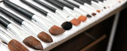 lavare pennelli per il trucco