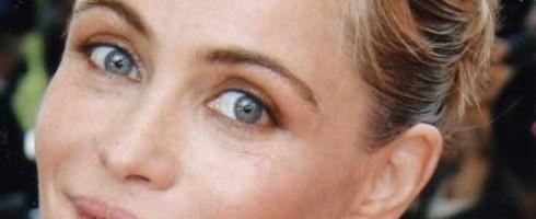 Emmanuelle Beart trucco occhi sporgenti