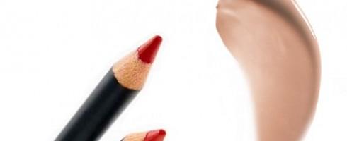 matite rosse e gloss nude